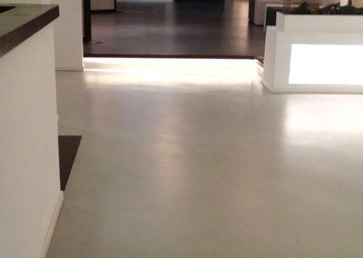 errelab-resina-spatolato-pavimento-5