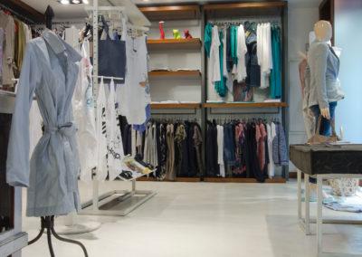 errelab-resina-spatolato-pavimento-negozi-1