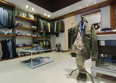 errelab-resina-spatolato-pavimento-negozi-3