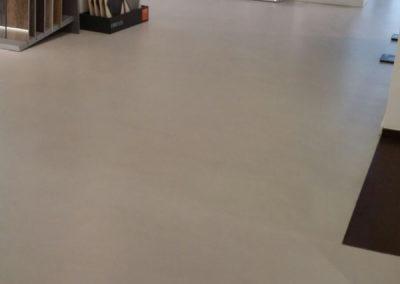 errelab-resina-spatolato-pavimento-ufficio-1