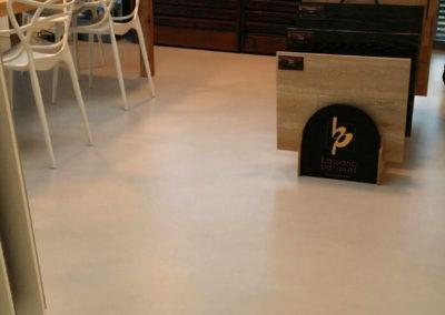 errelab-resina-spatolato-pavimento-ufficio-2