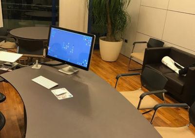 errelab-resina-spatolato-tavolo-ufficio-1